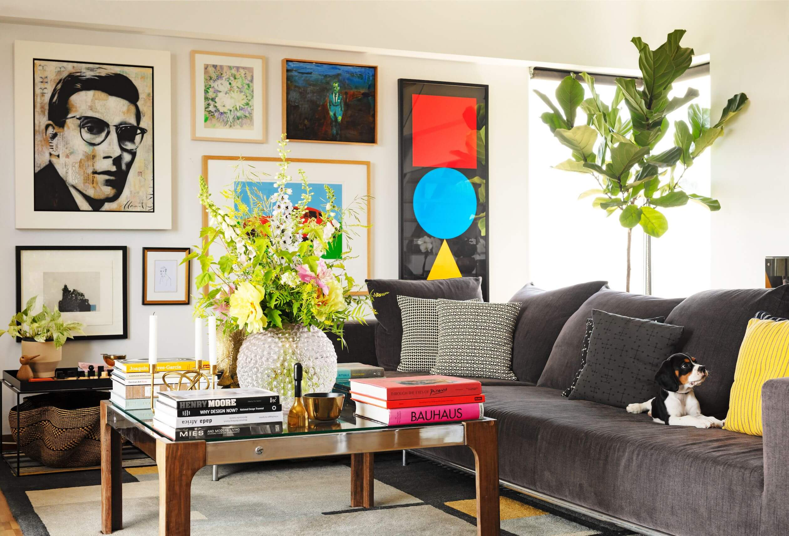 Image of a comfy home with décor all around