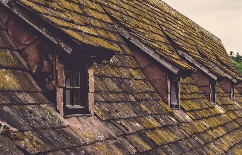 Warn roof on an old house